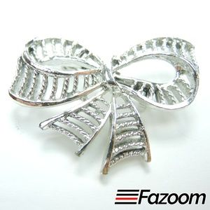 Jewelry - Vintage Silver-Tone Ribbon Brooch Lapel Pin